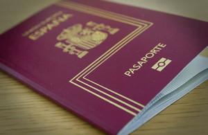 Pasaporte es necesario solo para los paises que no estan en la UE
